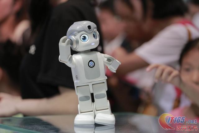 不可小觑悟空机器人赢得CES创新奖  第1张