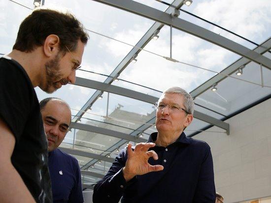 外媒:微软与苹果正秘密较量未来科技